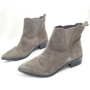 Rebels Rally Suede Chelsea Boot Pointy Toe